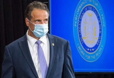 Apologetic Cuomo: 'I'm Not Going to Resign'